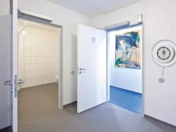Porte ouverte - Toilettes sans contact - Dormakaba
